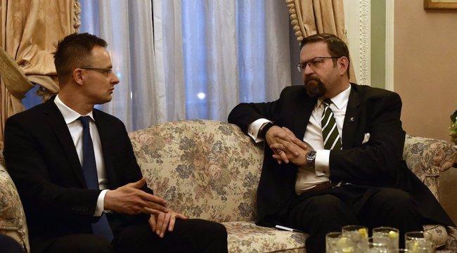 Trump magyar származású tanácsadója is megszólalt a nőket zaklató producer ügyében