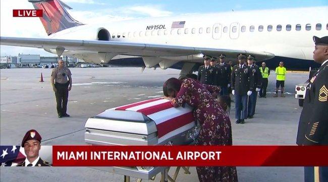 """""""Tudta, mire vállalkozott"""" – mondta Trump a gyászoló katonafeleségnek"""