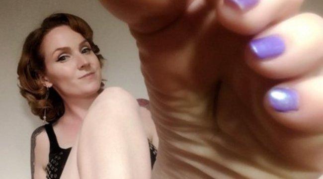 Tizennyolc milliót keres a lábaival ez a nő – fotók