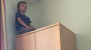 6 éves a fiú, de folyamatosan rettegésben tartja szüleit