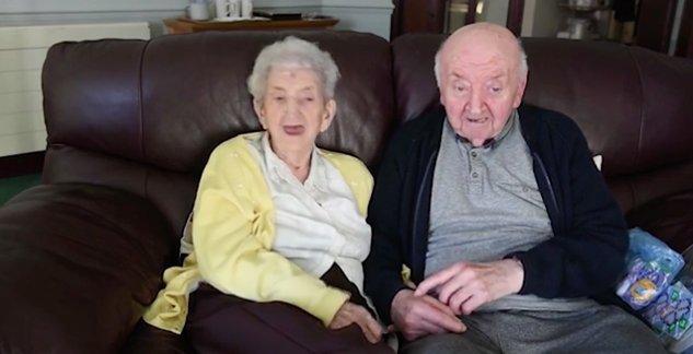 80 éves fia ápolása miatt költözik a szeretetotthonba az anya