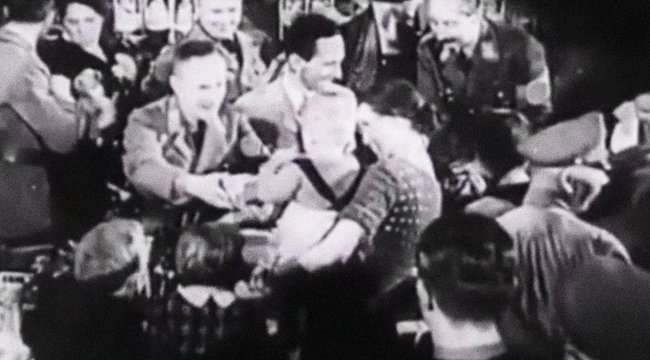 Nyomasztó videó: ilyen volt a karácsony a náci Németországban