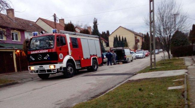 Két embert szállítottak Vácról súlyos szén-monoxid-mégezéssel kórházba