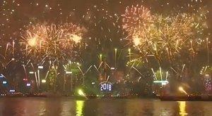 Nem bírja ki éjfélig hatalmas szilveszteri tűzijáték nélkül? Mutatunk párat!