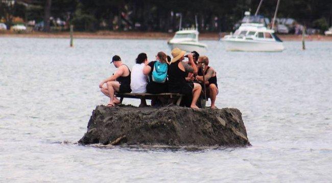 Parányi szigeten játsszák ki az alkoholtilalmat az új-zélandiak