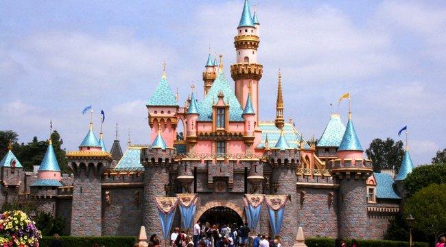 Sose találná ki, mi az a két szó, amit nem mondhat ki egy Disneyland-dolgozó
