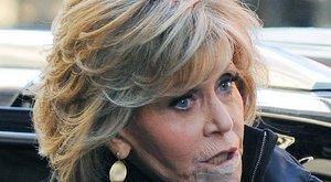 Jane Fondának kivágtak egy darabot az ajkából