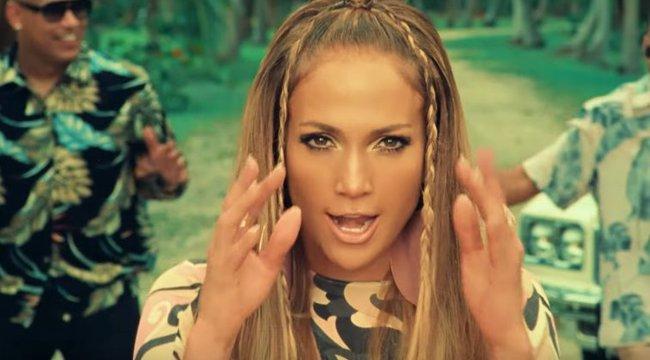 Átlátszó felsőben mutatta meg továbbra is tökéletes alakját Jennifer Lopez - fotók