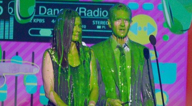 Ez mire jó? Zöld trutyiban fürdik Justin Bieber és Sandra Bullock is - fotók