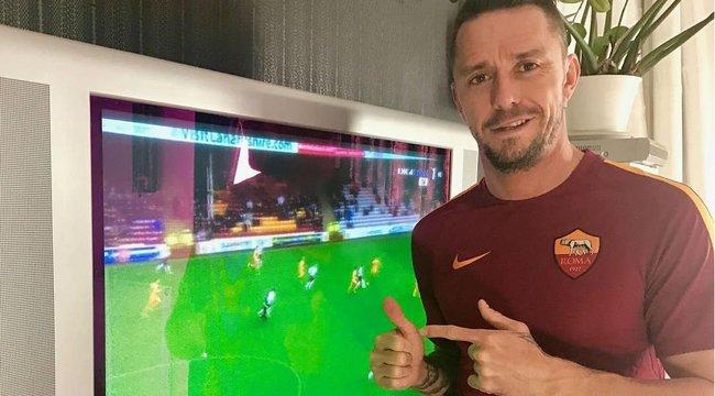 69e7493644 Európai kupasorsolás  Kabát Péter örül a Liverpoolnak