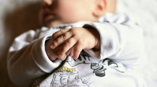 Megszülte, majd flakonokkal együtt meggyújtotta csecsemőjét egy nógrádi nő