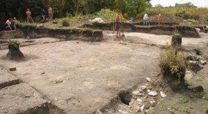 Több száz éves kincset találtak a kunmadarasi repülőtéren