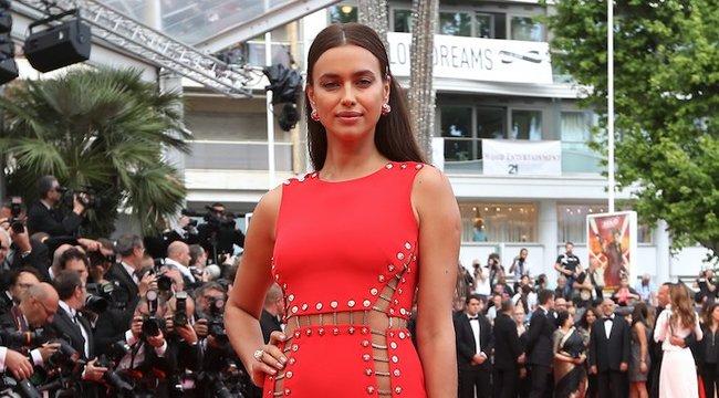 Már a bugyi sem kötelező Cannes-ban