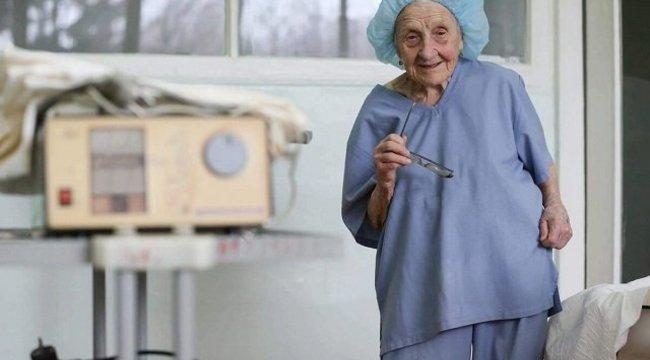 Elképesztő: ez az asszony 90 évesen is műt