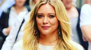 Hilary Duff kisbabát vár