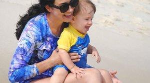 Vízbe fulladt a 3 éves kisfia, a gyászoló anya méltó emléket állított neki