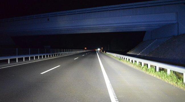 Unaloműzésből dobálta az autókat két fiatal az M3-as fölötti hídról