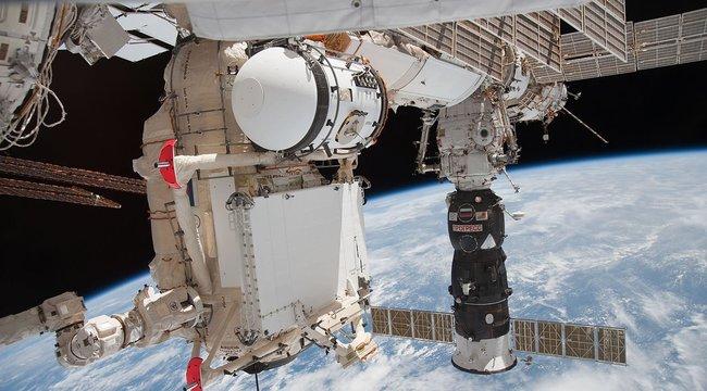 Ujjával tapasztotta be a lyukat az asztronauta! Megmenekült a nemzetközi űrállomás