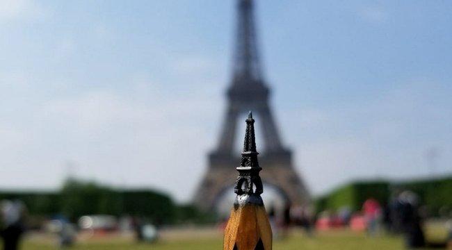 Ceruzahegyből készít Eiffel-tornyot