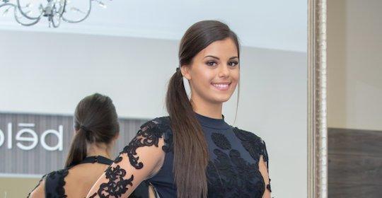 Világversenyre készül a magyar szépségkirálynő, őrült mennyiségű ruhát visz magával