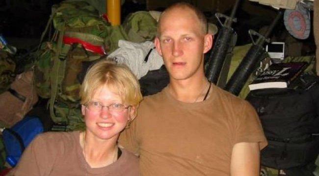 Brutális mézeshetek: harctéren fogant a katonapár babája