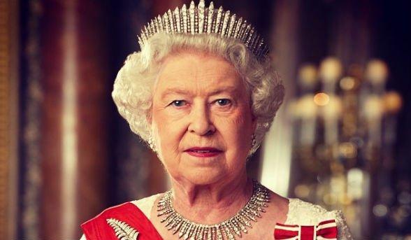Ezért tiltotta el az angol királynő a társasjátékoktól családját – sok  furcsa szabály miértjét is megmagyarázták | BorsOnline
