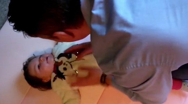 Kábítószerrel enyhítik a kétéves kislány szörnyű rohamait