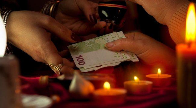 Akkor is jár a pénz a jósnak, ha nem vette le a rontást
