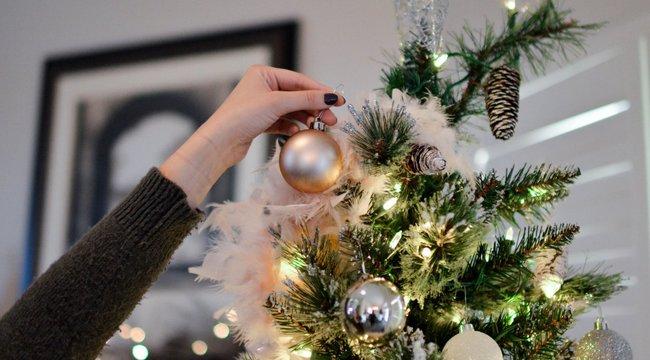 Tudja, miért állítunk fát karácsonykor? És azt, hogy miért éppen mákos, diós bejglit eszünk?