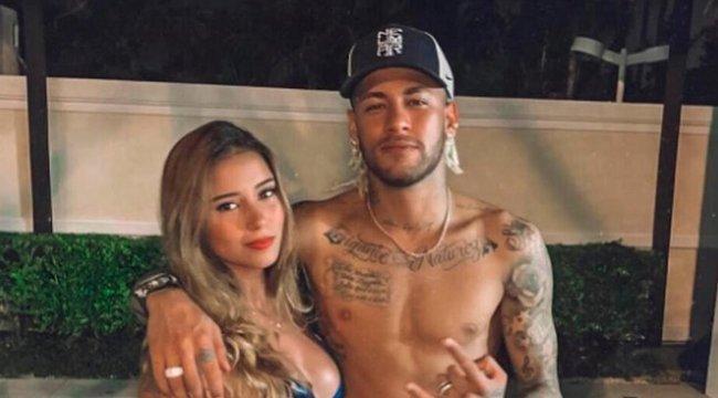 Új csajjal kavar Neymar