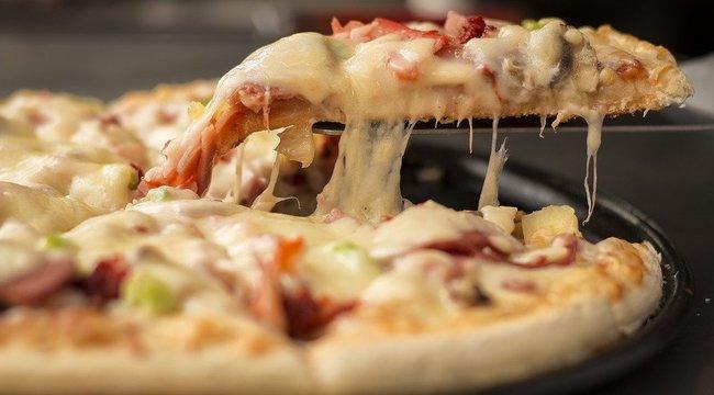 Nem kapta meg a pizzáját, a rendőrséget riasztotta a lusta családanya