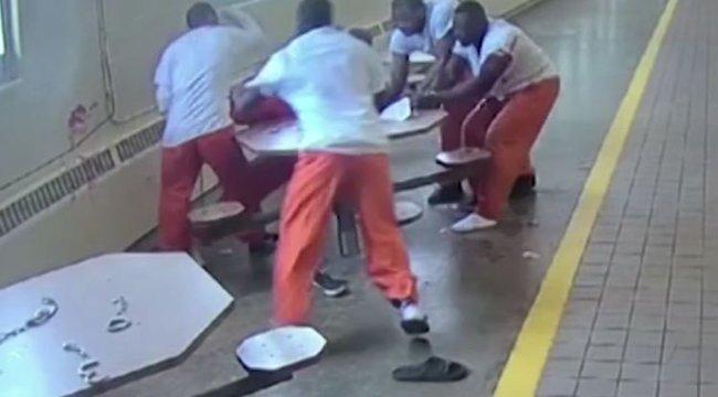 Brutális gyilkossági kísértetet rögzített egy börtön kamerája - videó