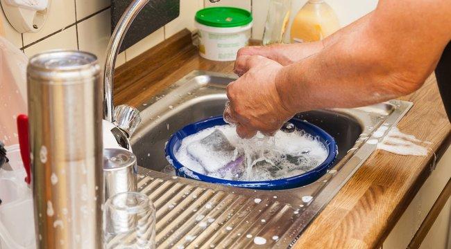 3 hiba, amit elkövetünk mosogatáskor