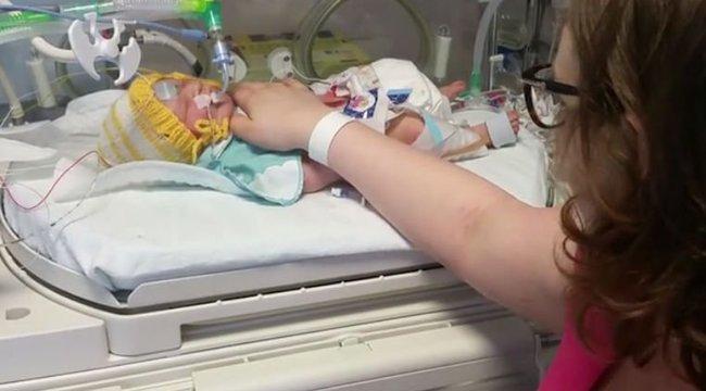 Császármetszésért könyörgött a vajúdó kismama - az orvosok nem is törődtek a haldokló magzattal