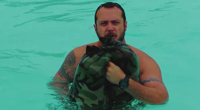 Farmerjának köszönheti az életét az óceánba zuhant férfi - Nézze meg az életmentő technikát! videó