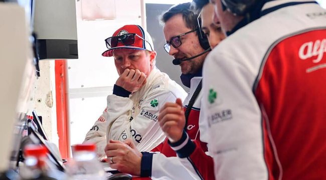 Räikkönennek modellez Dávid
