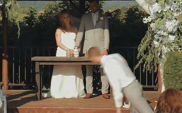 Durva: arccal csapódott a földbe az esküvői tanú – videó