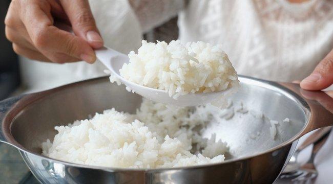 Áztassa be a rizst, mielőtt megfőzi