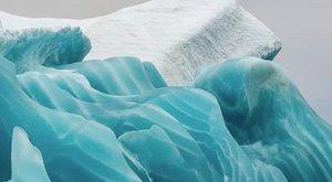 Ámulatba ejtő a jáde-jéghegyek lélegzetelállító szépsége