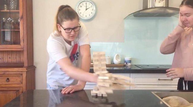 Így Jengázik egy Tourette-szindrómás– videó