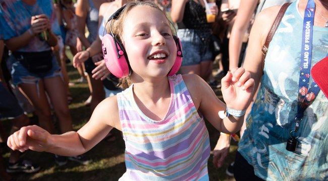 Fesztiválszezon: Két ezresért megóvhatja a gyerek fülét