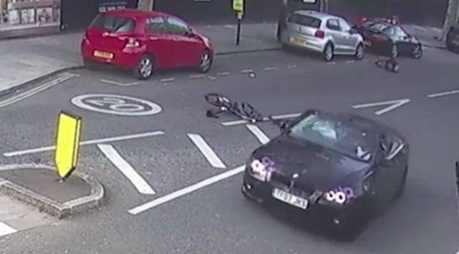 Vigyorogva gázolta el a fiatal fiút az ámokfutó BMW-s - videó