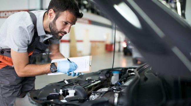 Könnyen vezethető és olcsón javítható legyen az első autónk!