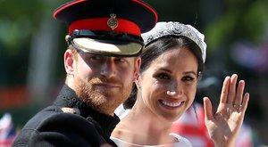 Éppen egy éve, hogy Meghan Markle hercegné lett. Sosem látott esküvői fotókat mutatott meg a hercegi pár