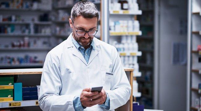 Gombnyomással műtenek az 5G-s mobillal az orvosok