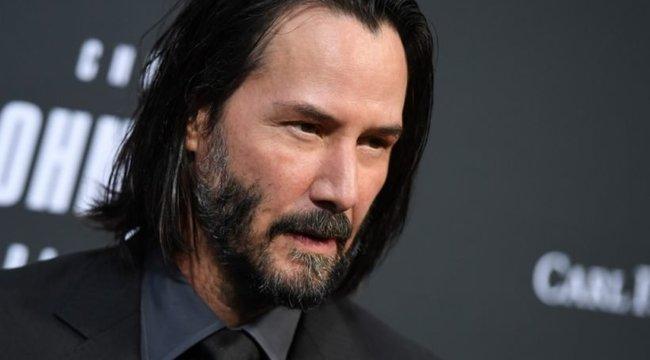 Szupergonosznak áll Keanu Reeves?