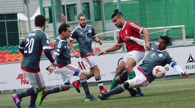 Két kötényután gólt ígérKállay-Saunders András