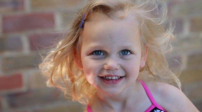 Egy húsz másodperces videóval mentette meg kislánya életét az anya, akit az orvosok nem vettek komolyan