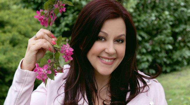 Erdélyi Mónika: Nem kell meghalni a tévé után - interjú