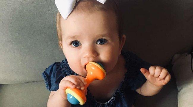 Még az orvosok sem tudták megfejteni, hogy mi lehet, a titokzatos fekete folt a kislány szájpadlásán